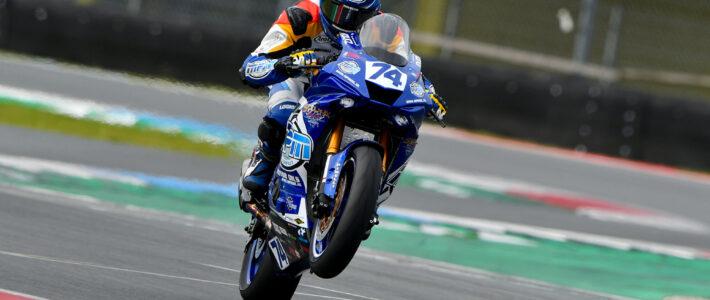 Brink verslaat Van der Sluis in Dutch Superbike race, Van Sikkelerus pakt Dutch Supersport titel in Assen