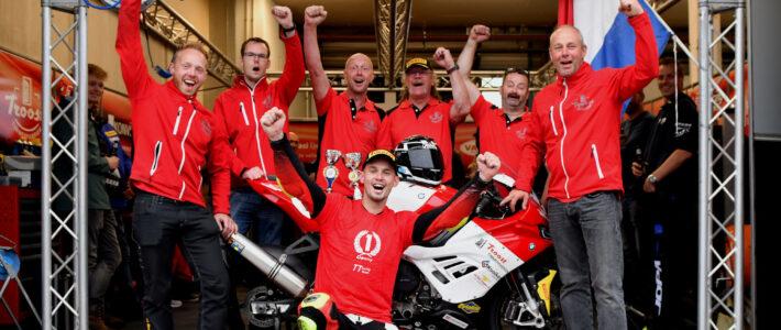 Van der Sluis pakt Dutch Superbike titel na spannende ontknoping in Assen